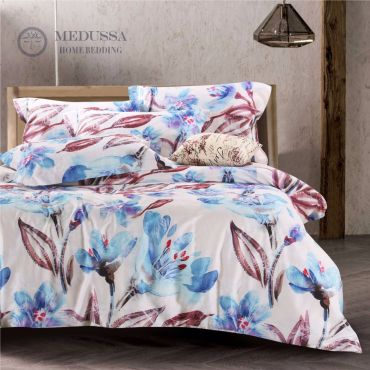Designed like an ink wash painting, this bedding set is made of 100% Combed Cotton Sateen, which is one of the most popular supreme fabrics for high-end bedding. It has a silky fine, soft and smooth touch, with a luster finish.
